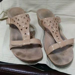 Vionic sandals orthaheel